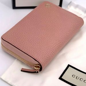 💖NWT Gucci Soft Pink Wallet Zip Around